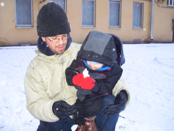Isaiah's 1st snowball